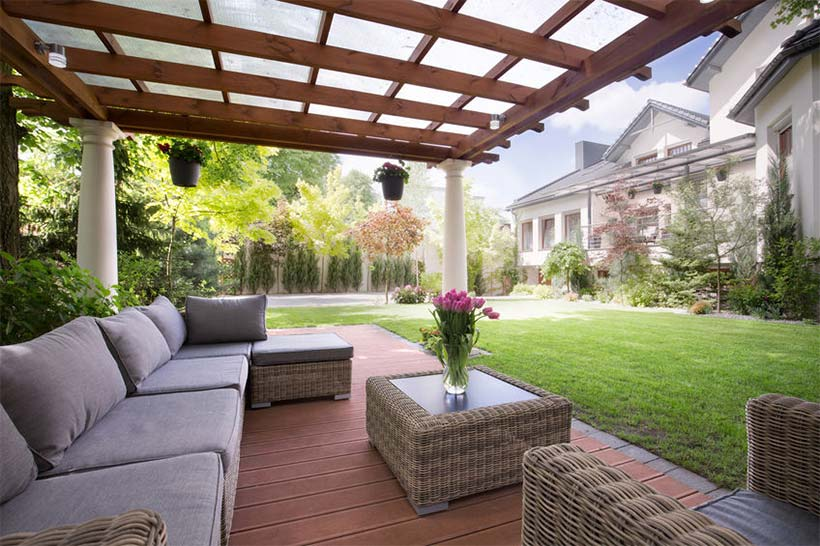4 easy ways to modernize your deck