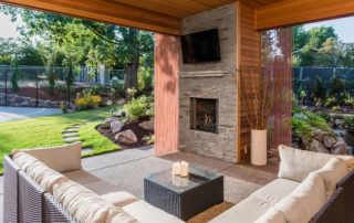 backyard deck trends in 2021