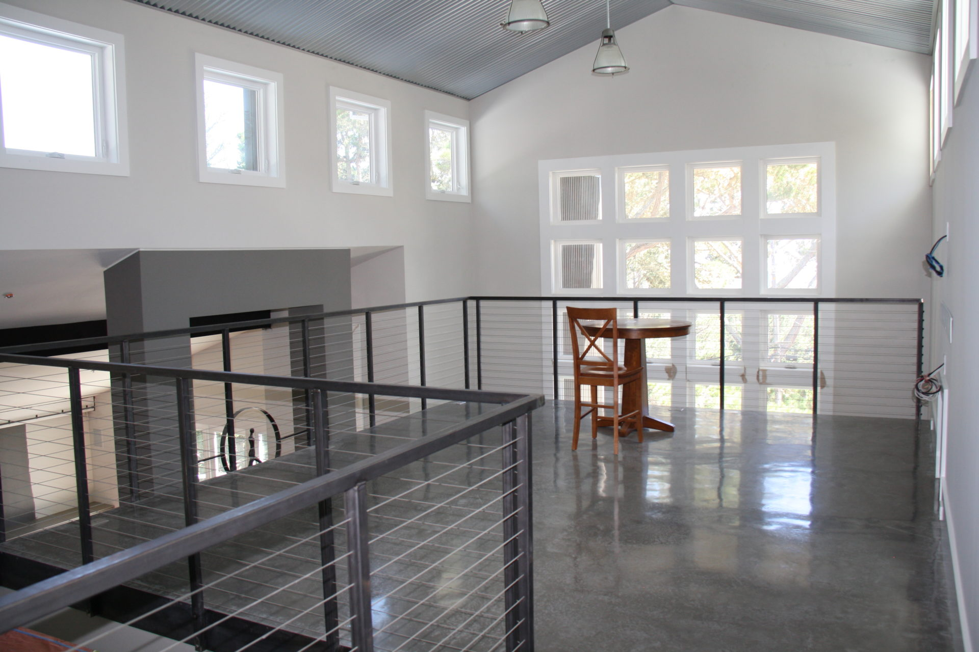 Residential cable railing installation second floor residential home in pleasanton